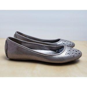 1e9cb9e8e64 Tahari Salty Leather Loafers Gold Clamp Flats Shoe.  M 5c444a09aa5719f738a3d538. Other Shoes you may like. Tahari  Joselyn  Flats  Loafers Metallic ...